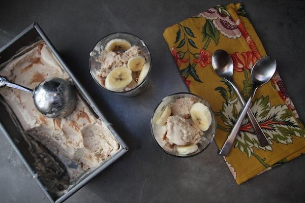 Peanut Butter Banana Frozen Yogurt // shutterbean