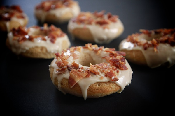 Baked Maple Bacon Doughnuts // shutterbean