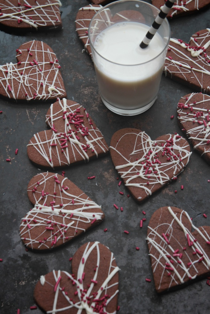 Roll-Out Brownie Cookies // shutterbean