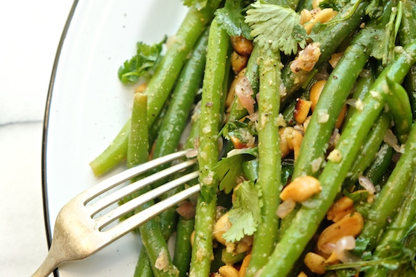 Add Green Beans with Ginger & Lime to your weeknight menu. It's a perfect #meatlessmonday meal! Recipe on shutterbean.com