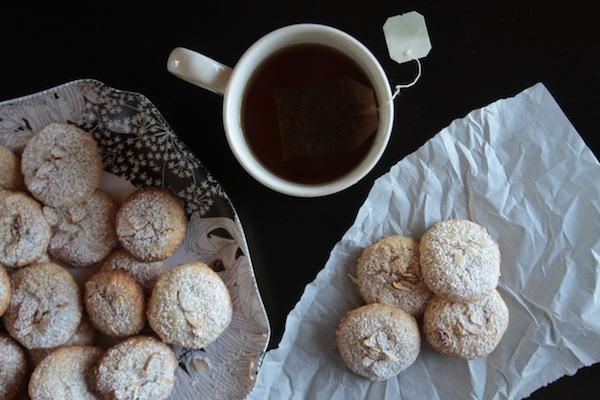 Almond Cookies // shutterbean