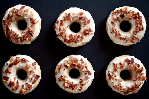 Baked Maple Bacon Doughnuts // shutterbean