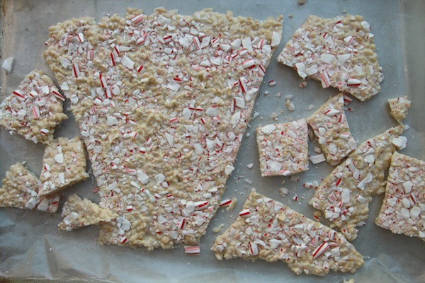 Crunchy Peppermint Bark // shutterbean