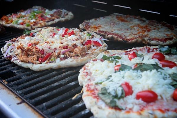 Grilled BBQ Chicken Pizza // shutterbean