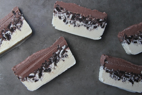 Cookies & Cream Ice Cream Cake // shutterbean