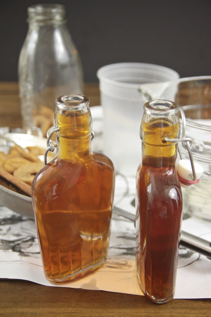 Apple Cinnamon Infused Bourbon // shutterbean