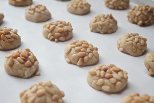 Pignoli Cookies // shutterbean