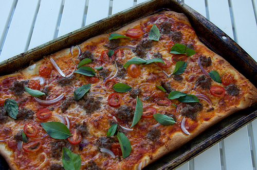 Hamburger Tomato Pizza