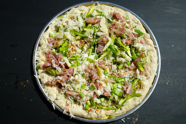 Shaved Prosciutto & Asparagus Pizza with EGG! Find the recipe on Shutterbean.com!