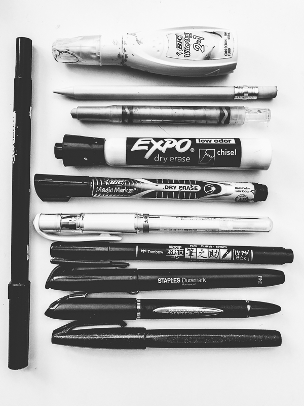Tracy from Shutterbean shares her current Favorite Pens! See what's in her pen case!